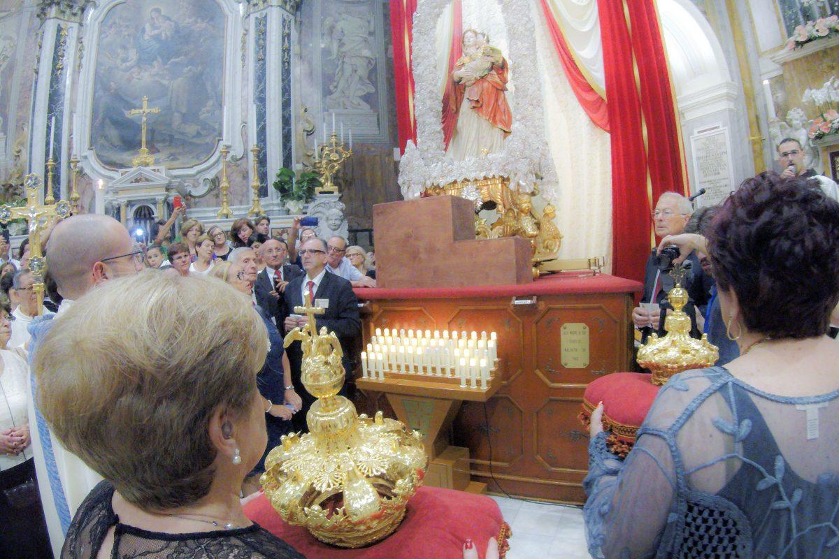 Incoronazione statua Madonna del Pozzo